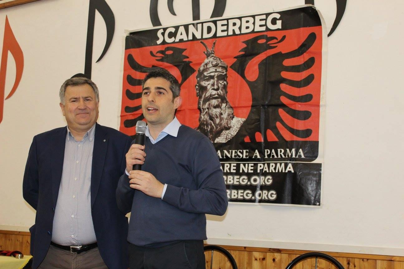 Presidenti i Shoqatës Scanderbeg, Shpendi Ndreu, dhe Kryetari i Bashkisë së Parmës, Federico Pizzarotti