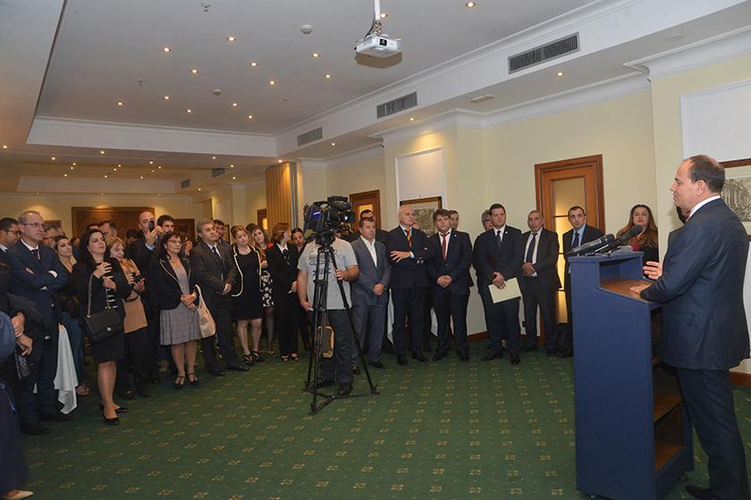 Nga takimi i Presidentit me përfaqësues të komunitetit shqiptar në Itali. Romë, 10 tetor 2016. Foto e president.al