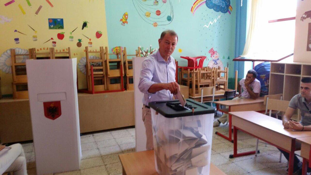 De Biasi ka votuar per te paren here si shqiptar