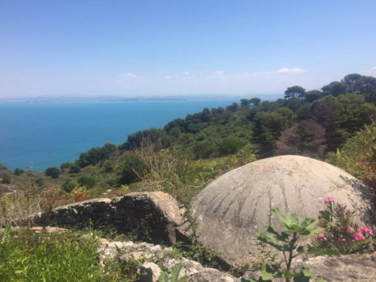 Ishulli i Sazanit. Foto Fatjona Mejdini