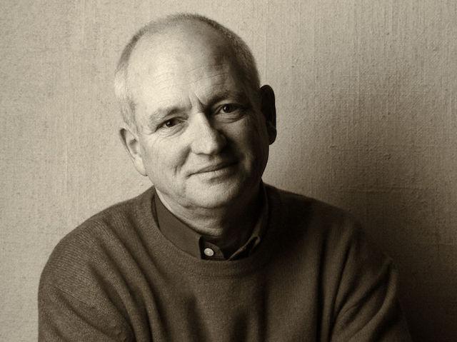 Robert Elsie, shkrimtar, përkthyes, studiues i gjuhës, kulturës dhe historisë së shqiptarëve, tema mbi të cilat ka botuar shumë vëllime, ka ndërruar jetë mëngjesin e 2 tetorit në Bonn të Gjermanisë. Ishte 67 e kish lindur në Vancouver të Kanadasë