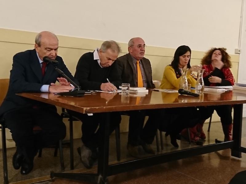Mario Bova, Mauro Geraci, Besnik Mustafaj, Blerina Suta e Caterina Benelli alla presentazione a Roma del romanzo Piccola saga carceraria